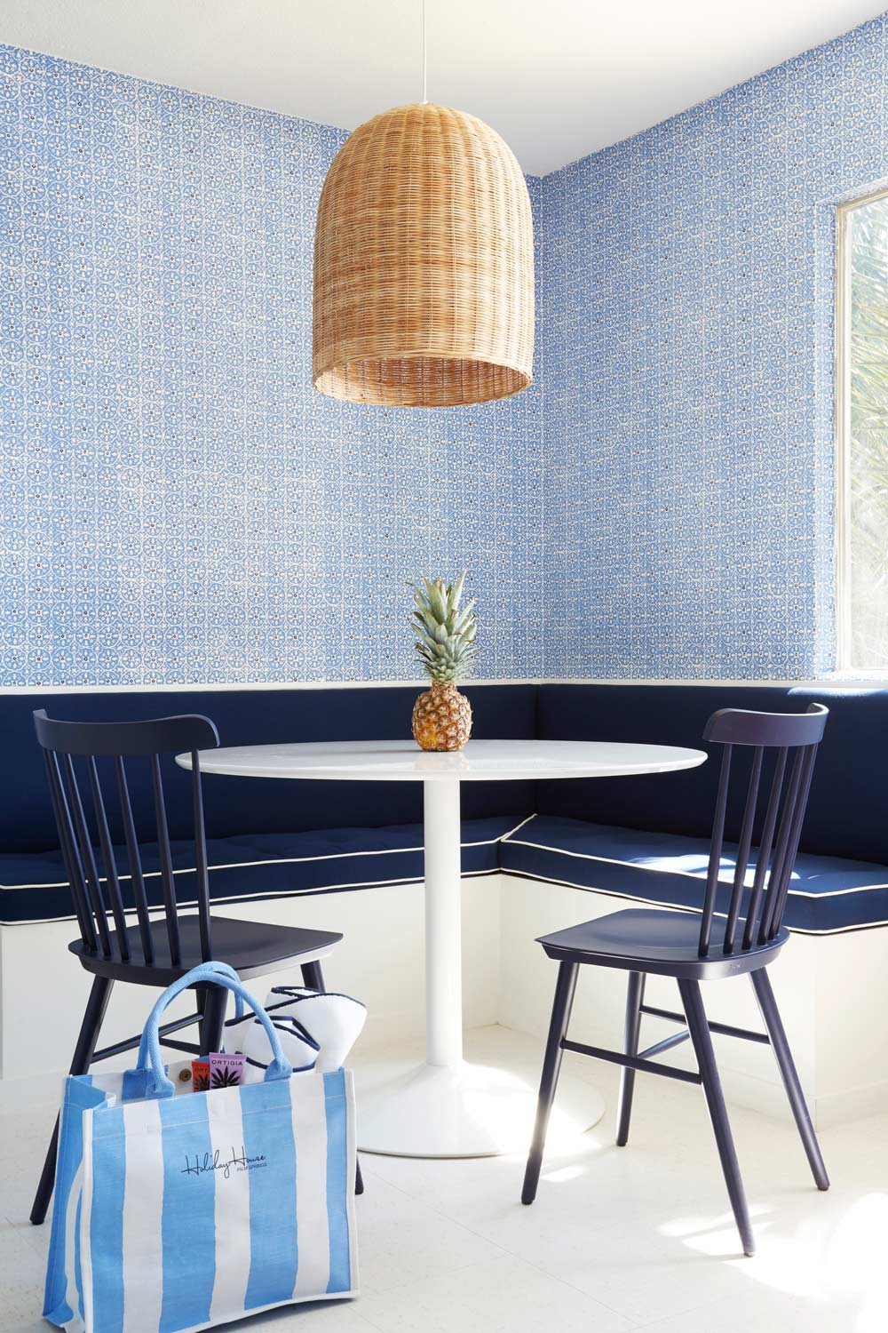 dining area with banquette